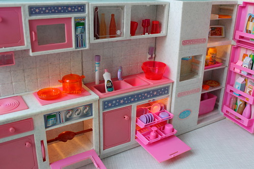 Pink Barbie Blythe size kitchen lights on