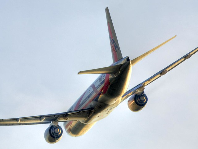 American Airlines Boeing 777-223 (N759AN)