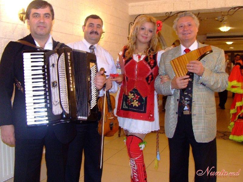 DOINIȚA GHERMAN - Interpretă și moderatoare cu o echipă de muzicieni profesioniști > Foto din galeria `Momente de colecție`