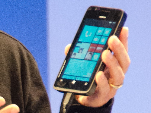 Smartphone prototipe Windows Phone 8 (2)