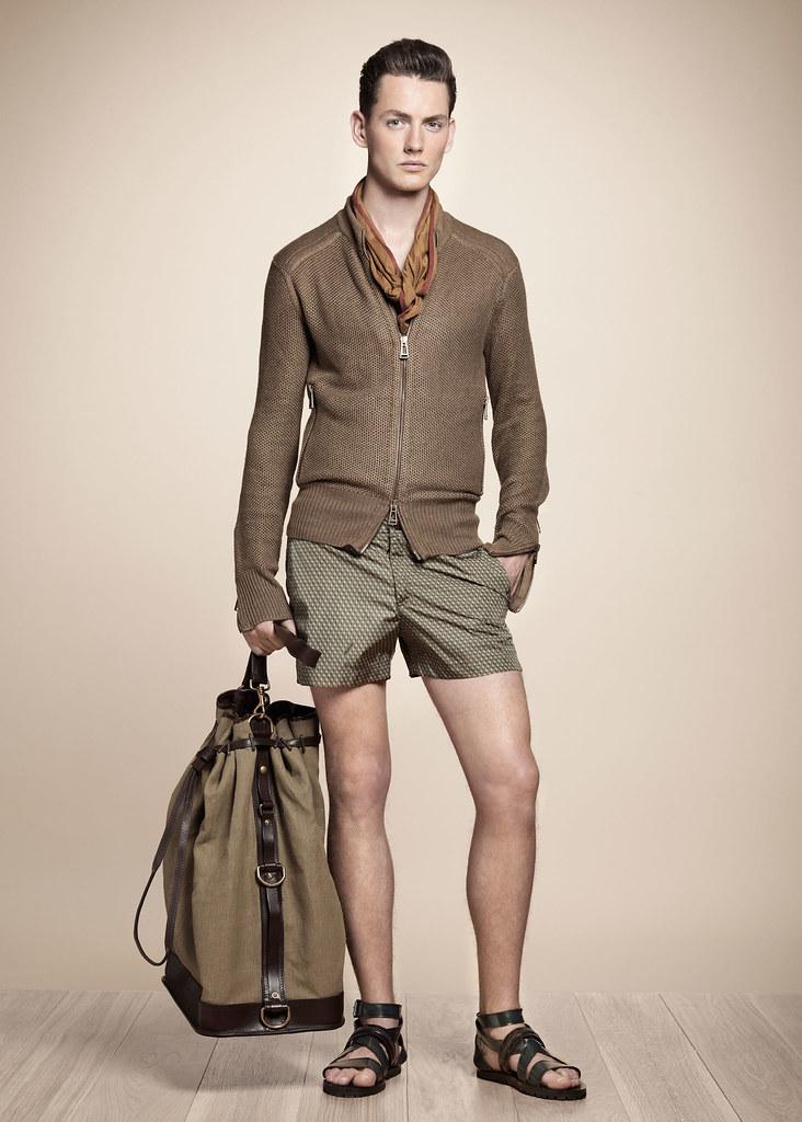 SS13 Milan Belstaff059_Jakob Hybholt(fashionising.com)