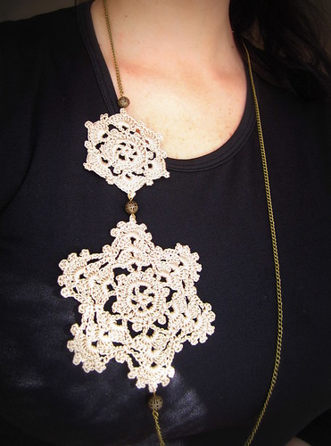 Snowflake necklace by Bohemian Hooks
