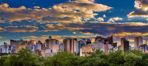 Sky line de Belo Horizonte by Héctor Falcón