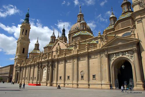 Basílica de El Pilar, Zaragoza by Rufino Lasaosa