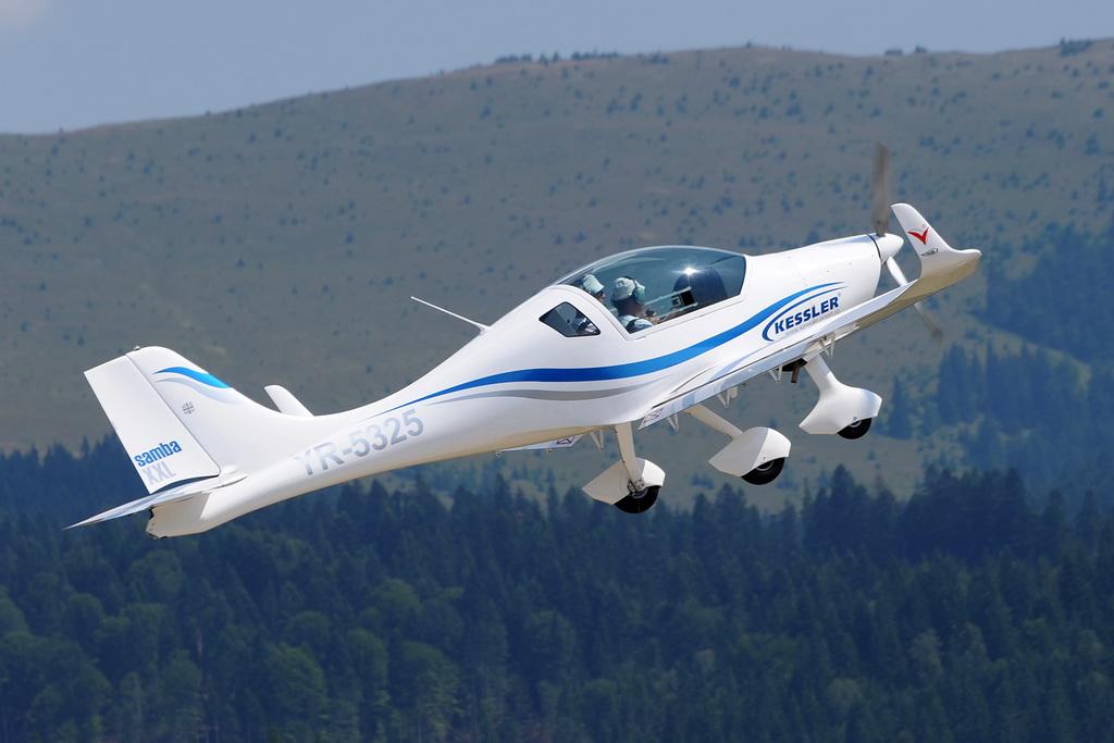 Fly-in @ Floreni - Mitingul cailor putere - Poze 7677963146_b0432e6076_o