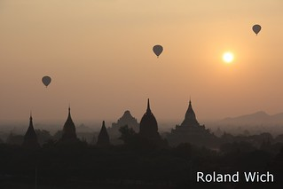 Bagan - Sunrise from Minyeingon