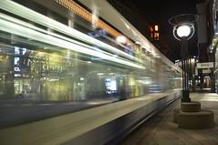 Tram dans la rue de la Confédération