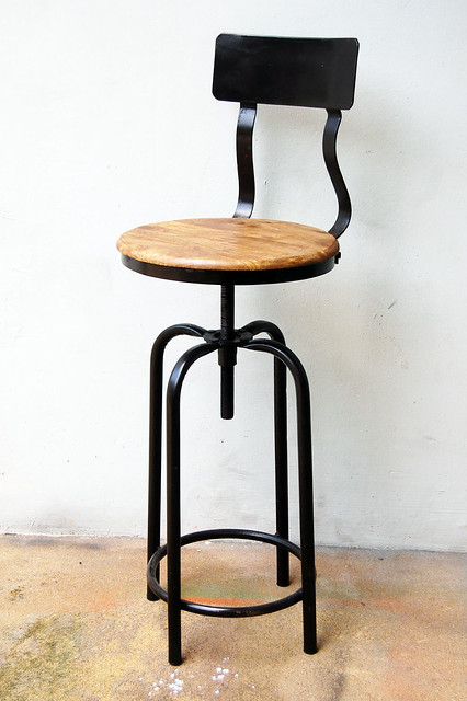 Vintage Industrial Style Bar Stool Flickr Photo Sharing : 69932503805caec9e33bz from www.flickr.com size 333 x 500 jpeg 90kB