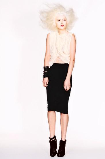 07_White Background Studio Fashion Photography, Uscari Blouse and pencil skirt