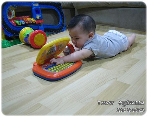 120523-玩耍