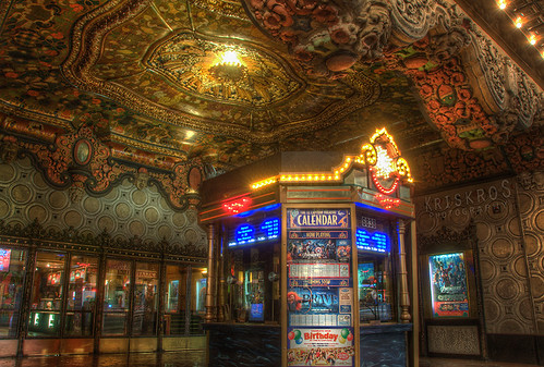 ticket booth of el capitan theater