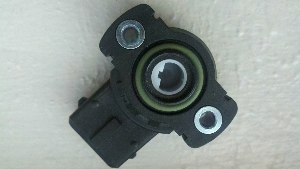 Ab D B on Throttle Position Sensor Location