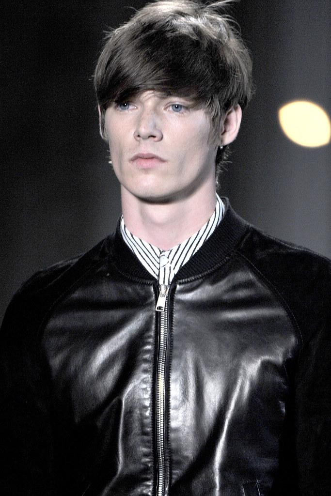 Conrad Leadley3003_SS12 Milan Alexander McQueen(VOGUEcom)