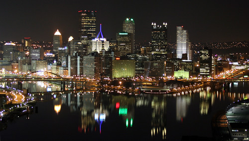 Pittsburgh, once shrinking but now growing (by: Michael Righi, creative commons)
