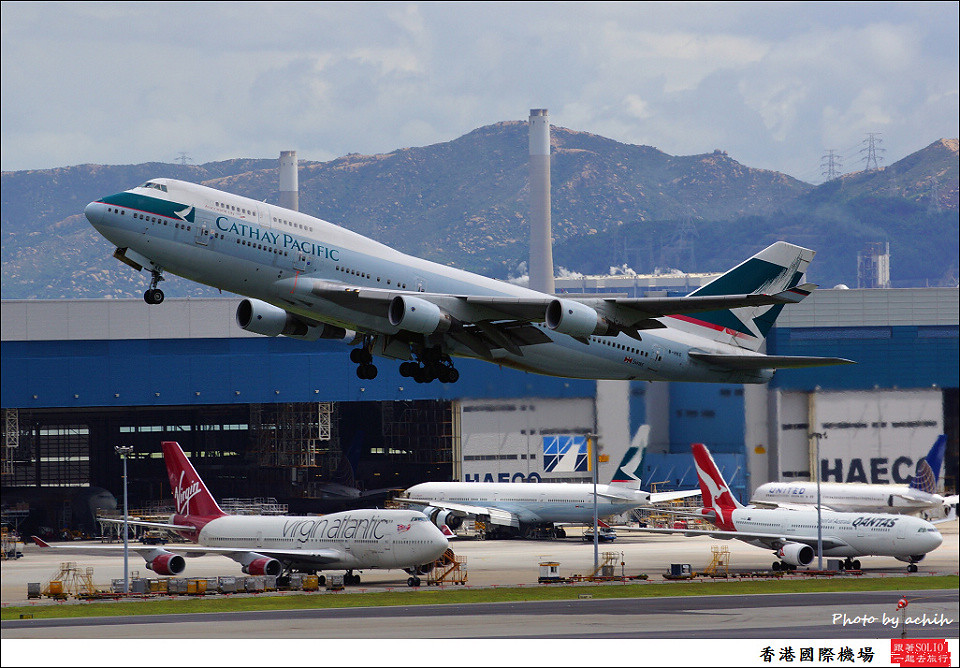 Cathay Pacific Airways / B-HKE / Hong Kong International Airport