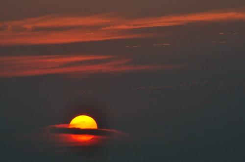 sky sun nature sunrise soleil montréal couleurs ange 15 ciel illusion capture juillet cosmic cosmos 2012 matin ☼ d90 pädu nikkor28300mmvr quandlesoleilsefaitsaturne