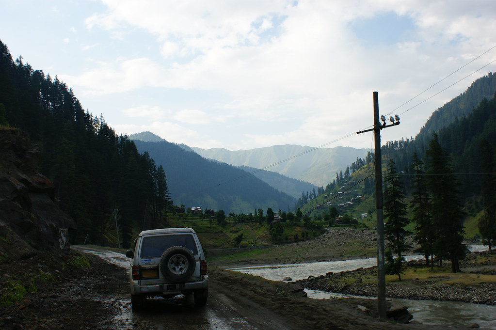 """MJC Summer 2012 Excursion to Neelum Valley with the great """"LIBRA"""" and Co - 7588311390 ba76aa1855 b"""