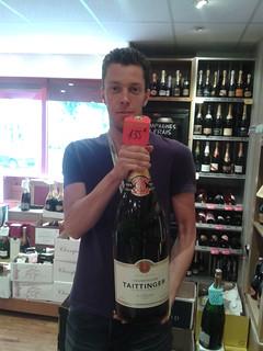 Une petite bouteille de Champagne Taittinger ^^