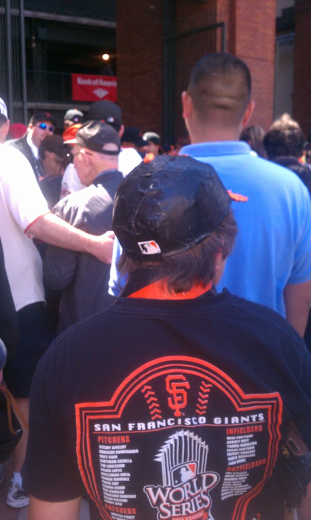 351c097ab37 ... baseball cap. Wanna do that yourself  here s how (from Susan Freeman).  … Andrew Farley spotted this Nets graffiti while walking around Brooklyn  the ...