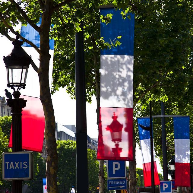 Dimanche sur les Champs-Élysées