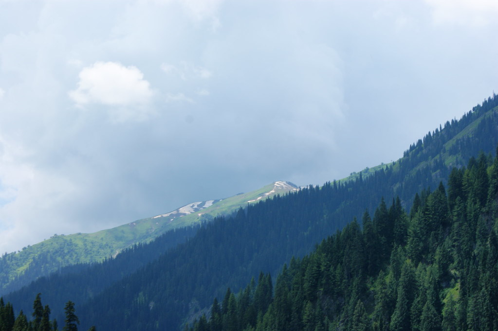 """MJC Summer 2012 Excursion to Neelum Valley with the great """"LIBRA"""" and Co - 7608895950 e914142820 b"""