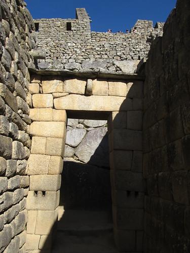 Machu Picchu: la Casa del Inka et sa porte trapézoïdale