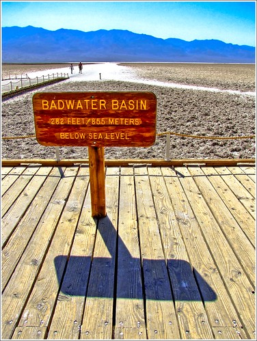 BADWATER BASIN (DEATH VALLEY)