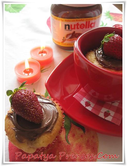 çilekli muffin 002