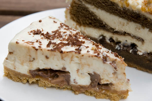 The Bee Cheese Cake with Mars Bar