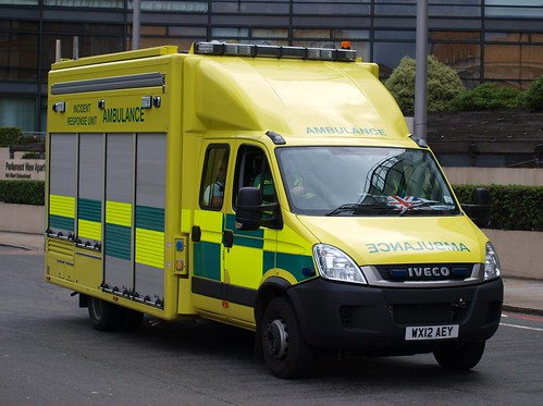 London Ambulance Service, Iveco Daily, Incident Response Vehicle, WX12 AEY