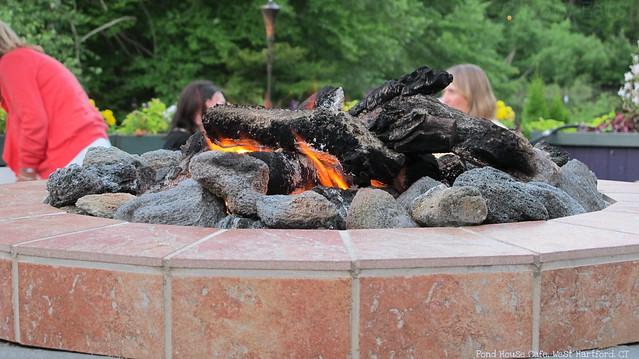 Fire pit, lit