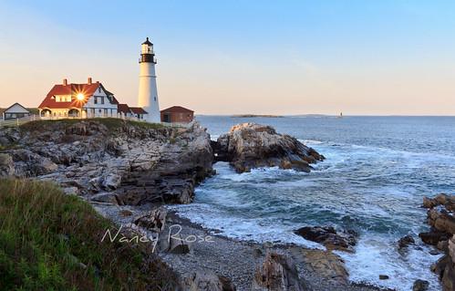 ocean sunset lighthouse window reflections portland waves maine shoreline rocky atlantic sunburst capeelizabeth portlandheadlighthouse blinkagain bestofblinkwinners