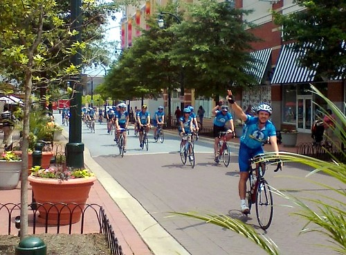 Climate Ride rolls into the Silver Spring lunch stop (c2012 FK Benfield)