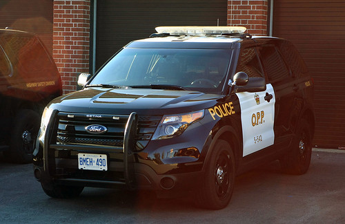 Opp Ford Explorer Seen At The Niagara Falls Opp