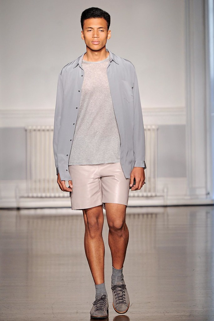 SS13 London Richard Nicoll008_Henry Pedro-Wright(VOGUE)