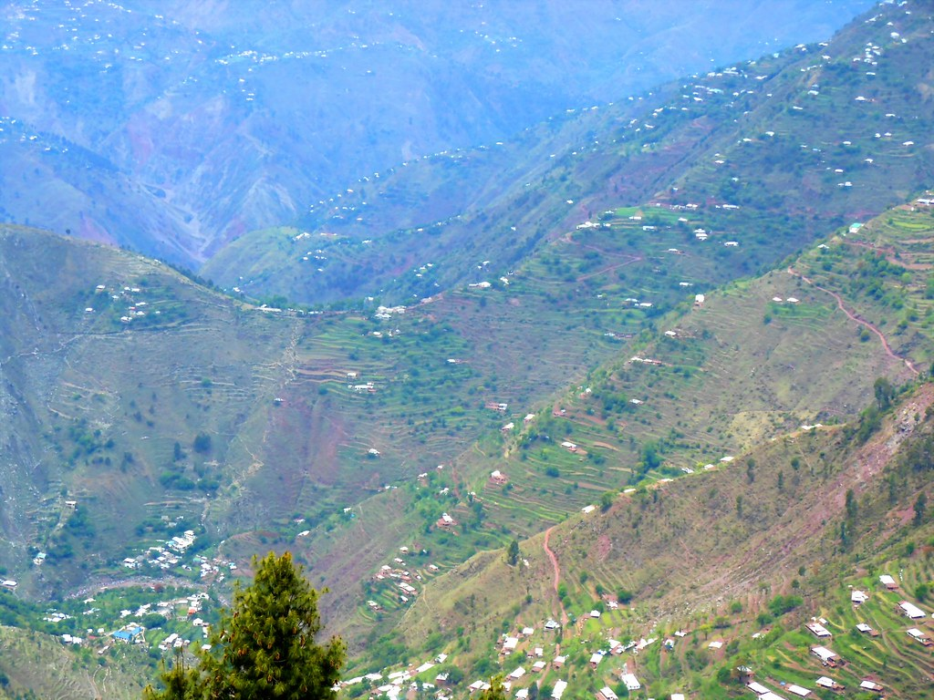 Trip to Muzaffarabad & Pir Channasi April-May 2012-nomi700 - 7454125982 28a36f03f5 b
