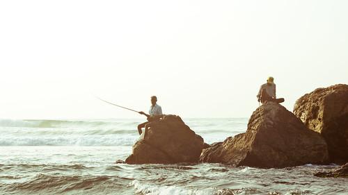 ocean sea panorama sunrise fishing rocks asia panoramic srilanka ceylon unawatuna southasia 16x9 stickfishermen thalpe srilanka87846