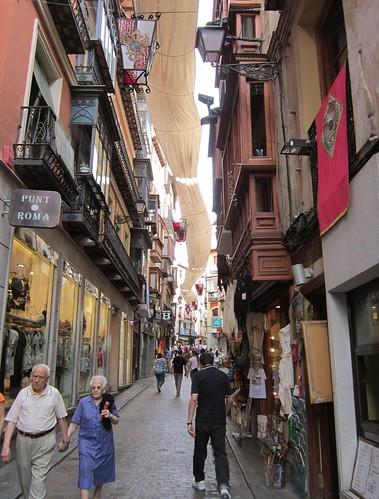 トレド旧市街の通り by Poran111