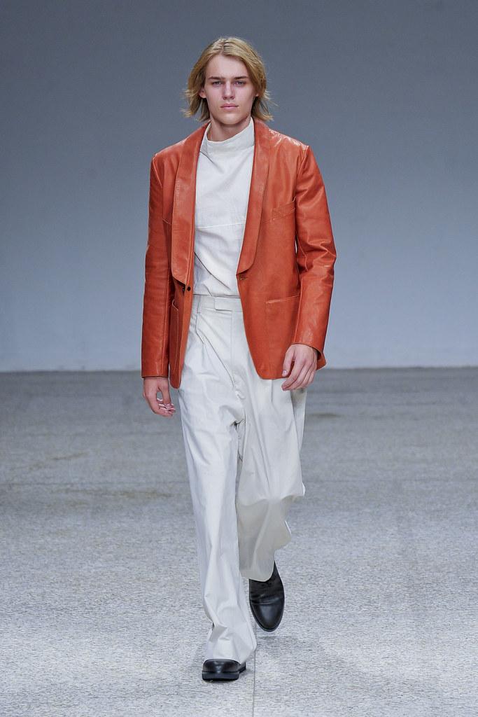 Ton Heukeuls3030_SS13 Milan Umit Benan(fashionising.com)
