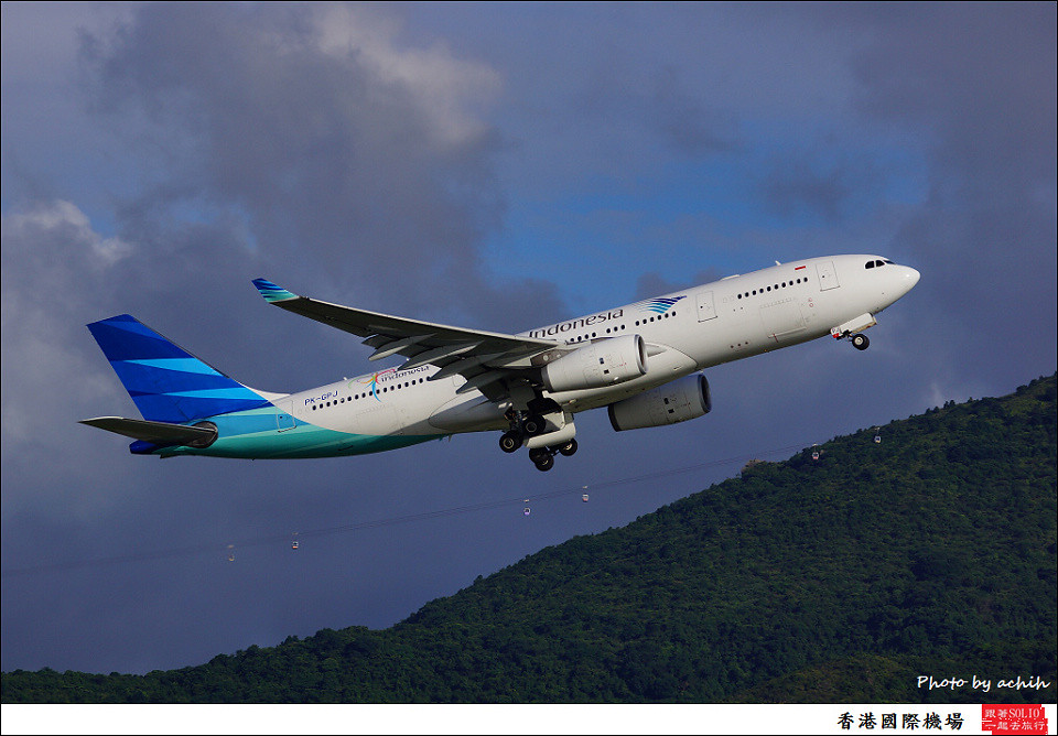 Garuda Indonesia / PK-GPJ / Hong Kong International Airport