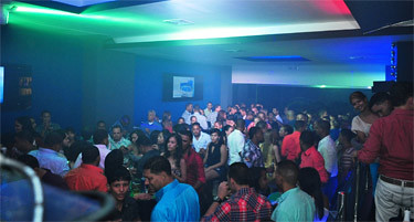 Weekend full @ Sober Lounge y Soberano Licors Store
