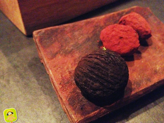 Atera - walnut and hazelnut truffle 2