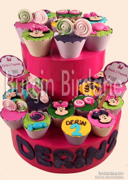 Minnie Gymbo Cupcake