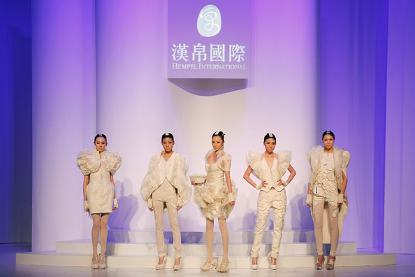 China+Fashion+Week+2012+13+W+Collection+Day+NMYtS6QTEGEl