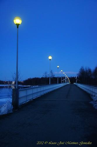 bridge night suomi finland geotagged puente image nocturna oulu scandinavia finlandia escandinavia luciojosemartinezgonzalez northernostrobothnia korkeasaarensilta luciokeywordsjosekeywordsmartinezkeywordsgonzalez geo:lat=650241405555556 geo:lon=254415602222222