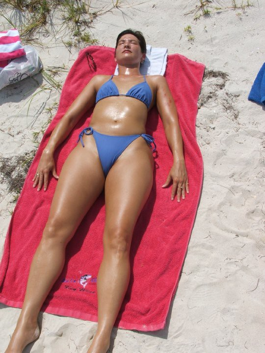 Bikini suntan chicks