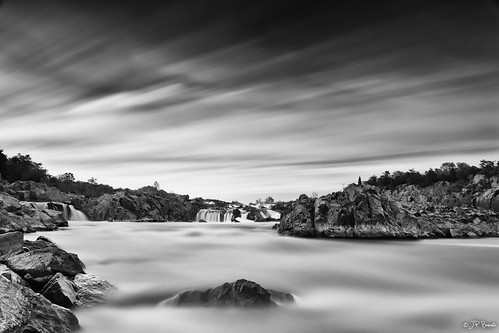 longexposure sunset bw water clouds virginia rocks greatfalls potomacriver ohdarling butreallyfun bigstopper itsatoughplace