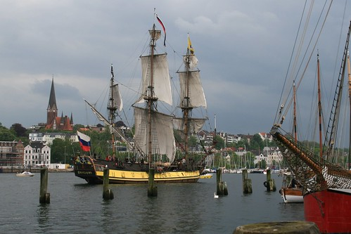 Shtandart arriving in Flensburg after regatta