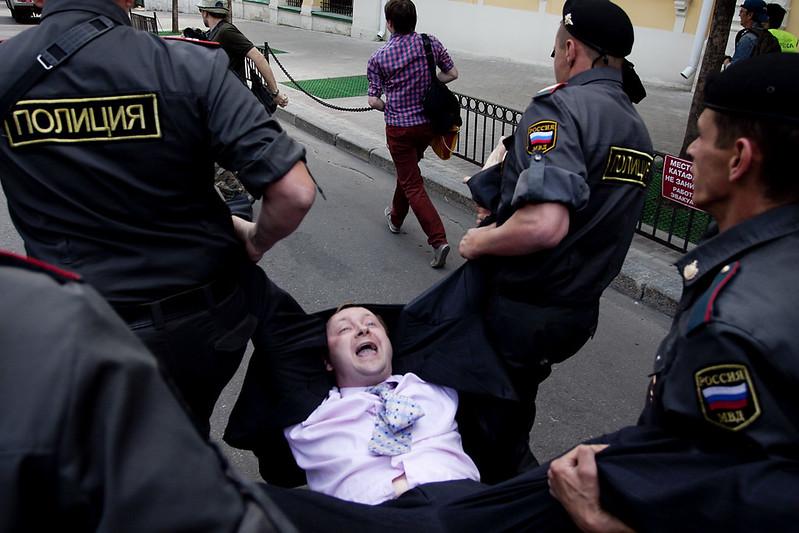 Гей-парад в Москве 27 мая 2012. Задержание Николая Алексеева