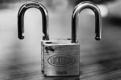 locks_bw